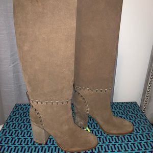 Tory Burch contraire boot, 6, nwt
